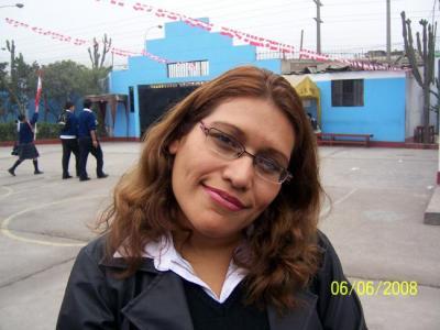 """Apreciación psicológica del desfile escolar por """"el Día de la Bandera Peruana"""""""